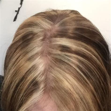 fleckige haare nach straehnen faerben blond