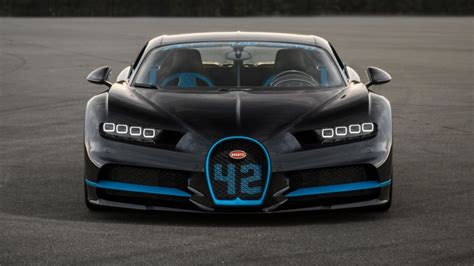 Bugatti Chiron Divo  Razão Automóvel