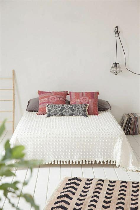 les tapis de chambre a coucher la descente de lit comment on peut la choisir