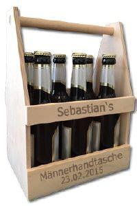 Maennerhandtasche Biertraeger Aus Holz Selber Basteln by M 228 Nnerhandtasche Biertr 228 Ger Als Geschenk Geschenkideen