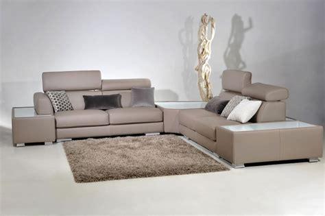 sur le canapé ou dans le canapé fabrication de canapé en cuir convertible sur demande
