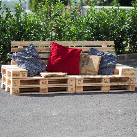 divano pallet divano pallet prezzo divanetto con bancali dal design unico