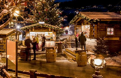 advent calander christmas markets in val gardena ortisei santa cristina