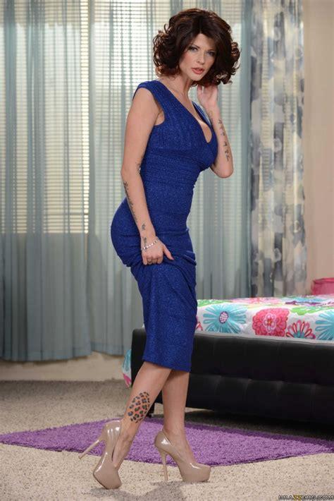 Joslyn James Busty Milf In Tight Dress Milf Dp