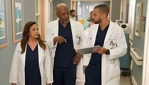 'Grey's Anatomy': April & Jackson Kiss — Season 14 Episode ...