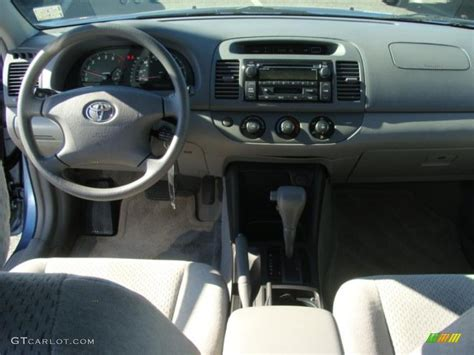 toyota camry le  stone dashboard photo