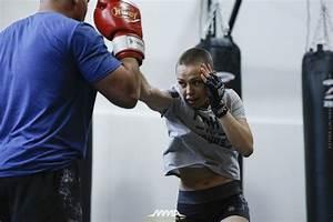 Rose Namajunas, Derrick Lewis UFC open workout photos ...