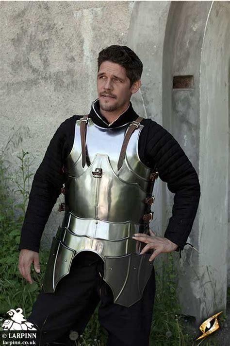 gothic  armour larp inn body plate