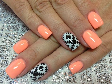 accent nail designs day 121 summer accent nail nails magazine