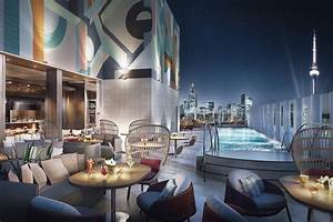 Toronto hotel with stunning rooftop restaurant and pool