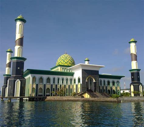 masjid raya al munawwar ternate wikipedia bahasa