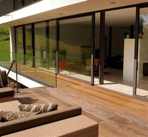 Ueberdachte Terrasse Moderne Terrasseneinrichtung by Holz Verandas Und Terrassen Modern Veranda Berlin