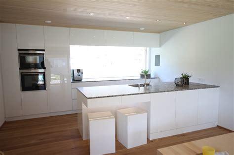 Küche Modern Weiß Braun Beige Hochglanz Küche Und Holz