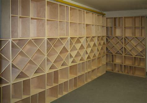 casiers 224 bouteille casier vin rangement du vin am 233 nagement cave casier bois cave
