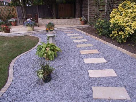 english garden  cozy   gravel road  paving