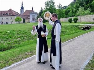 Wie Schreibt Man Engagement : wie wird man zisterzienser stift heiligenkreuz ~ Yasmunasinghe.com Haus und Dekorationen