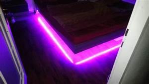 Led Beleuchtung Batteriebetrieben : led beleuchtung bett youtube ~ Eleganceandgraceweddings.com Haus und Dekorationen