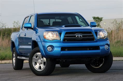 toyota trucks and review 2010 toyota tacoma 4x2 prerunner photo gallery