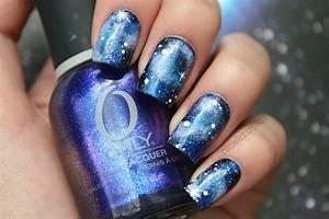 Blue galaxy nail art coewless polish