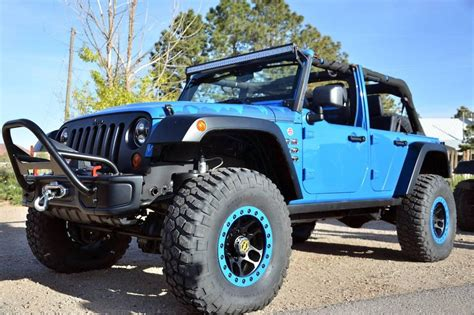 lifted jeeps  sale lifted jeep dealers keene cdjr