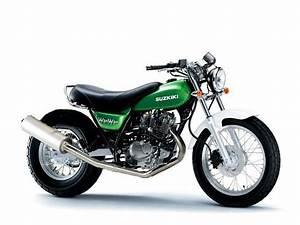 Suzuki Vanvan 125 : suzuki van van 125 in kelly green motorcycle pinterest kelly green and green ~ Medecine-chirurgie-esthetiques.com Avis de Voitures