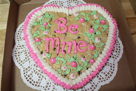 Giant Decorated Valentine Cookie Now At Ck Spices, Coffee
