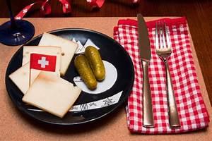 Schweizer Raclette Gerät : raclette k se raclette grill ~ Orissabook.com Haus und Dekorationen