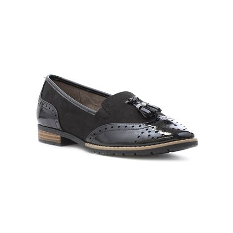 womens shoe style guide selecting casual  dress shoes
