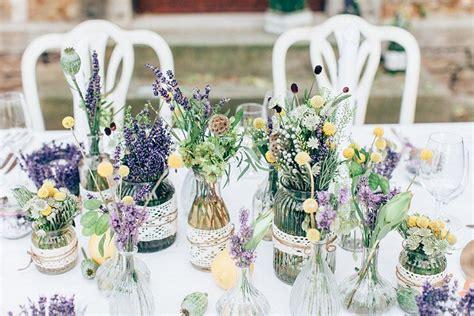 hochzeit mit lavendel tischdeko wildblumen hochzeit