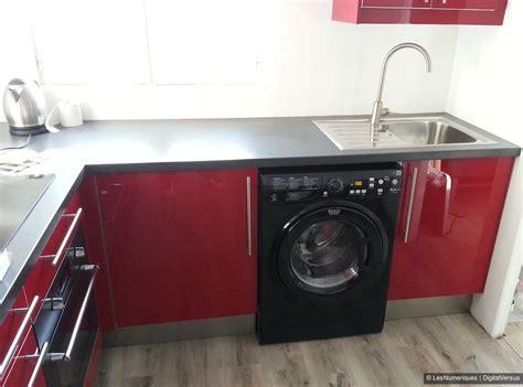 lave linge dans cuisine combien coute la pose d une cuisine ikea la cuisine ganache impose style bois dans un