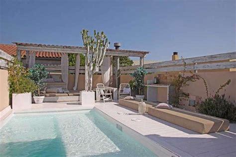 hotel barcelone dans la chambre luxueuse maison avec piscine à louer dans barcelone