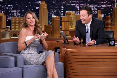 sofia vergara jimmy fallon mo performs quot final song quot on tuesday s quot tonight show