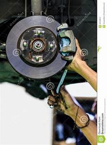 Frein A Disque : frein disque d 39 une voiture photos stock image 34122813 ~ Medecine-chirurgie-esthetiques.com Avis de Voitures
