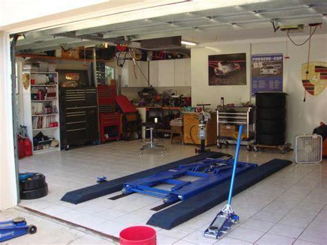 Jay Leno demos diy'r car lift   Rennlist   Porsche