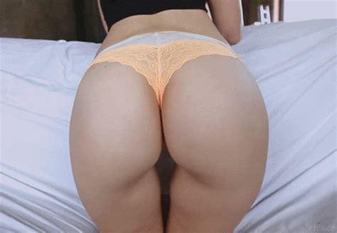Sexy Girls Show Big Naked Booty Shake Twerk Gifs Angrygif