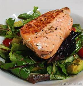Salat Mit Geräuchertem Lachs : gebratener lachs auf buntem salat katha kocht ~ Orissabook.com Haus und Dekorationen