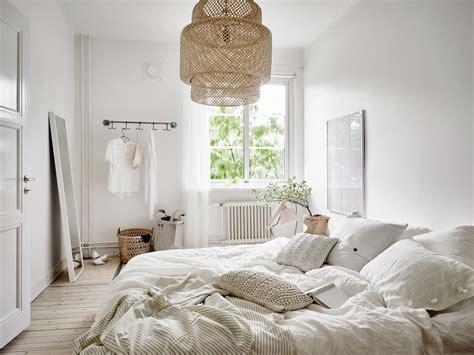 decordots white and bedroom styling