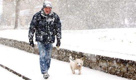 shock weather warning britain faces coldest winter in 50 years and months of heavy snow