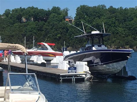 Boat Lift Kentucky by High And Boat Lifts Usa United States Seychelles