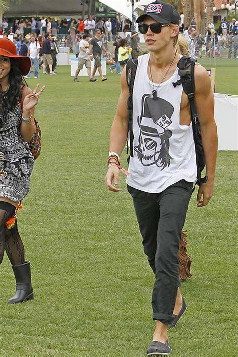 Coachella Menu0026#39;s Fashion 20 Looks We Love | Menu0026#39;s Style and Fashion | Pinterest | Coachella ...