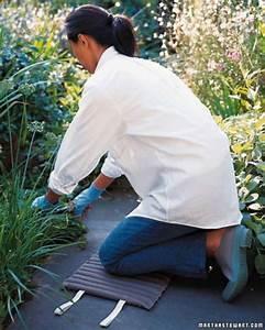 10 easy diy kneeling pads that make gardening comfortable