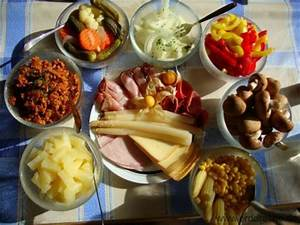 Essen Für 8 Personen : raclette zutaten was sind die passenden beilagen erddrache ~ Eleganceandgraceweddings.com Haus und Dekorationen