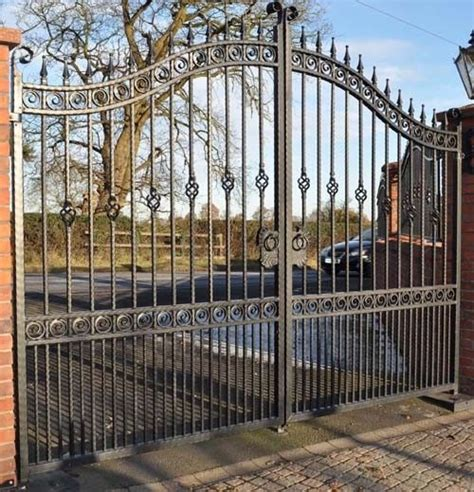 beautiful fences and gates 71 best images about beautiful gates and fences on pinterest gardens cartagena and iron gates