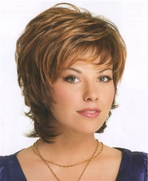 Hairstyles for Older Women with round faces