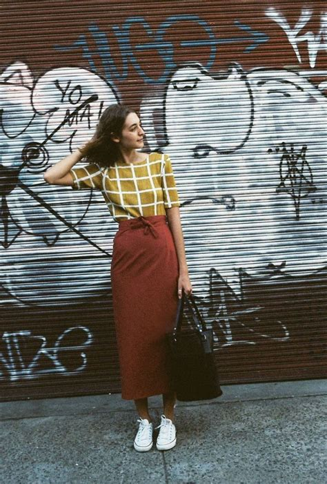 rust wear mustard caves collect colours sneakers outfits ways spring fun outfit street colour jupe skirt dress tenis parker andrea