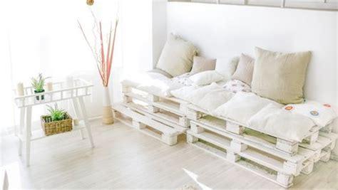 comment faire un canapé en palette comment fabriquer un canapé en palettes de bois très