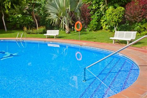 where to sell a pool selling a house with a swimming pool