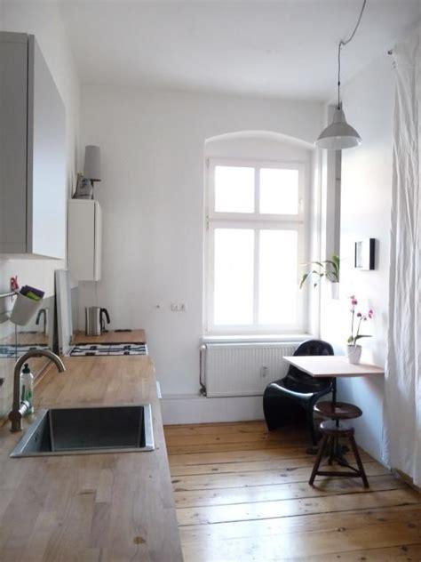 Zimmer Wohnung Mit Garten Berlin by Schlichte Gem 252 Tliche K 252 Chen Einrichtung Mit Gro 223 Em Fenster