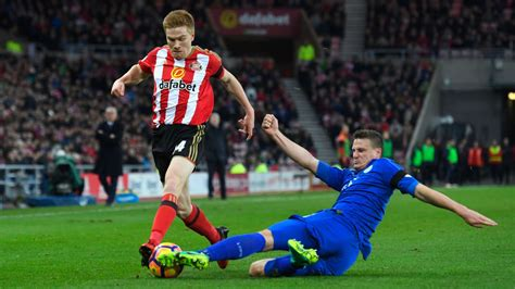 Sunderland striker Duncan Watmore may need further surgery ...