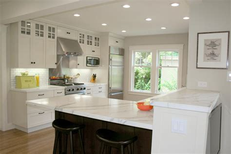 what color should i paint kitchen cabinets what color should i paint my kitchen with white cabinets